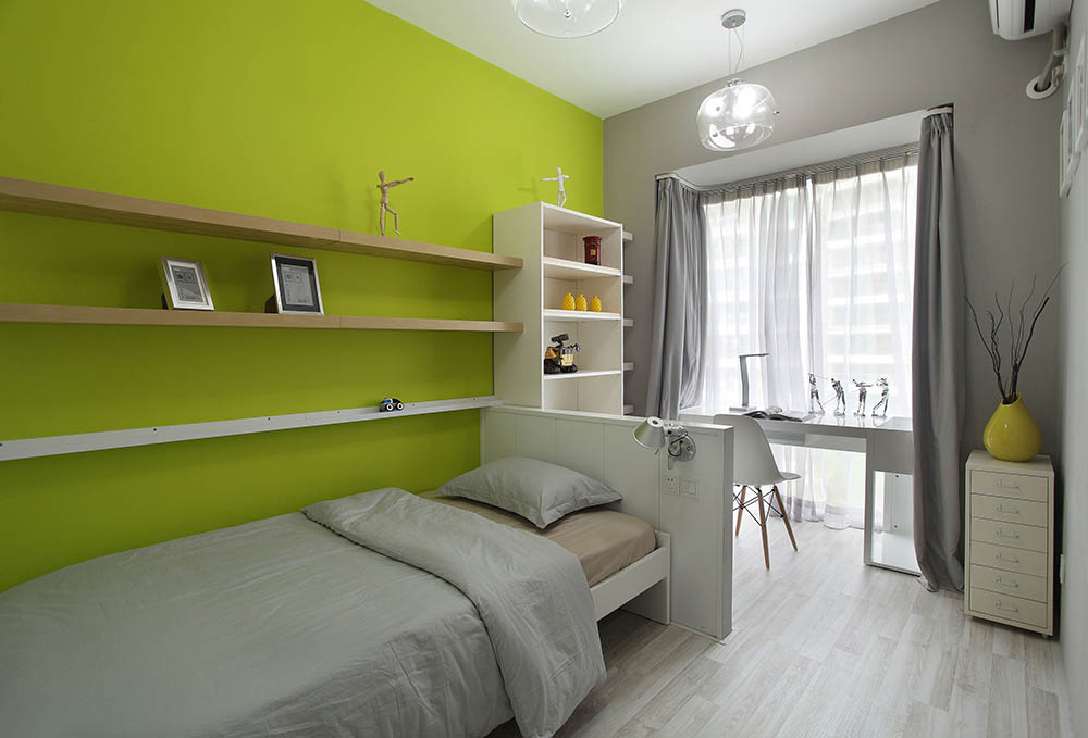 Bedroom with lime green wall